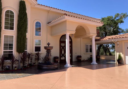 Single family home with spectacular view in the mountain of Atascadero
